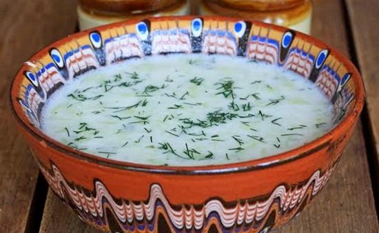 Суп на кефире с огурцами