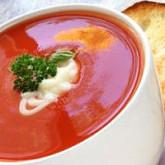 Легкий томатный суп с мидиями
