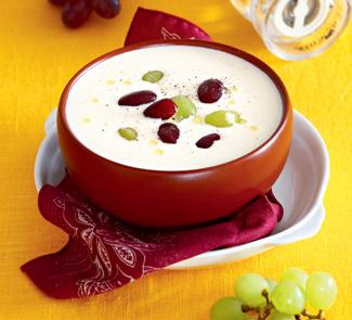Ахо бланко — миндальный суп