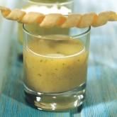 Холодный вишисуаз из петрушки с сырными палочками